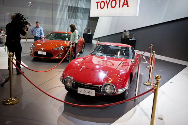 Toyota 2000GT and 86.